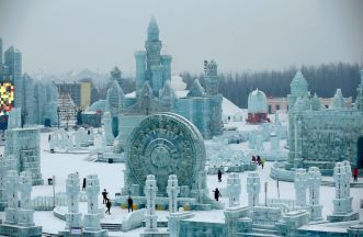 rt_harbin_ice_festival_04_jef_150106_23x15_1600
