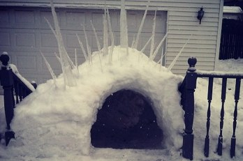 33-ways-to-build-a-snow-fort-youll-want-to-move-i-2-30381-1422198993-5_dblbig.jpg