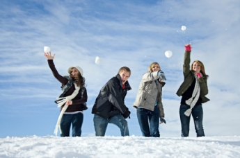 Boot-Camp-Games-Snowball-fight.jpg