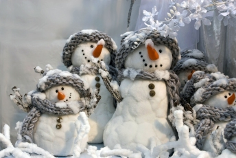 Snowman-christmas-22227884-2048-1371