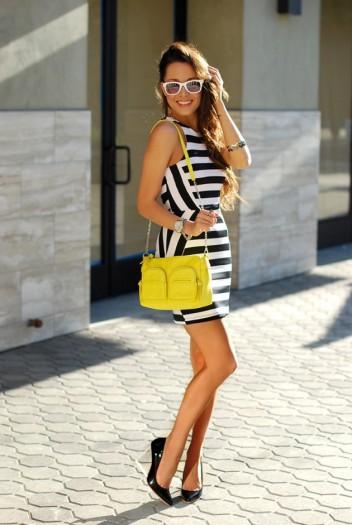 Street-Style-Ideas-With-Stripes-Striped-Dress