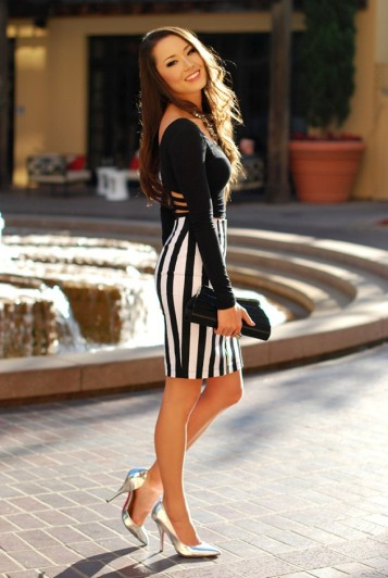 Street-Style-Ideas-With-Stripes-Striped-Pencil-Skirt