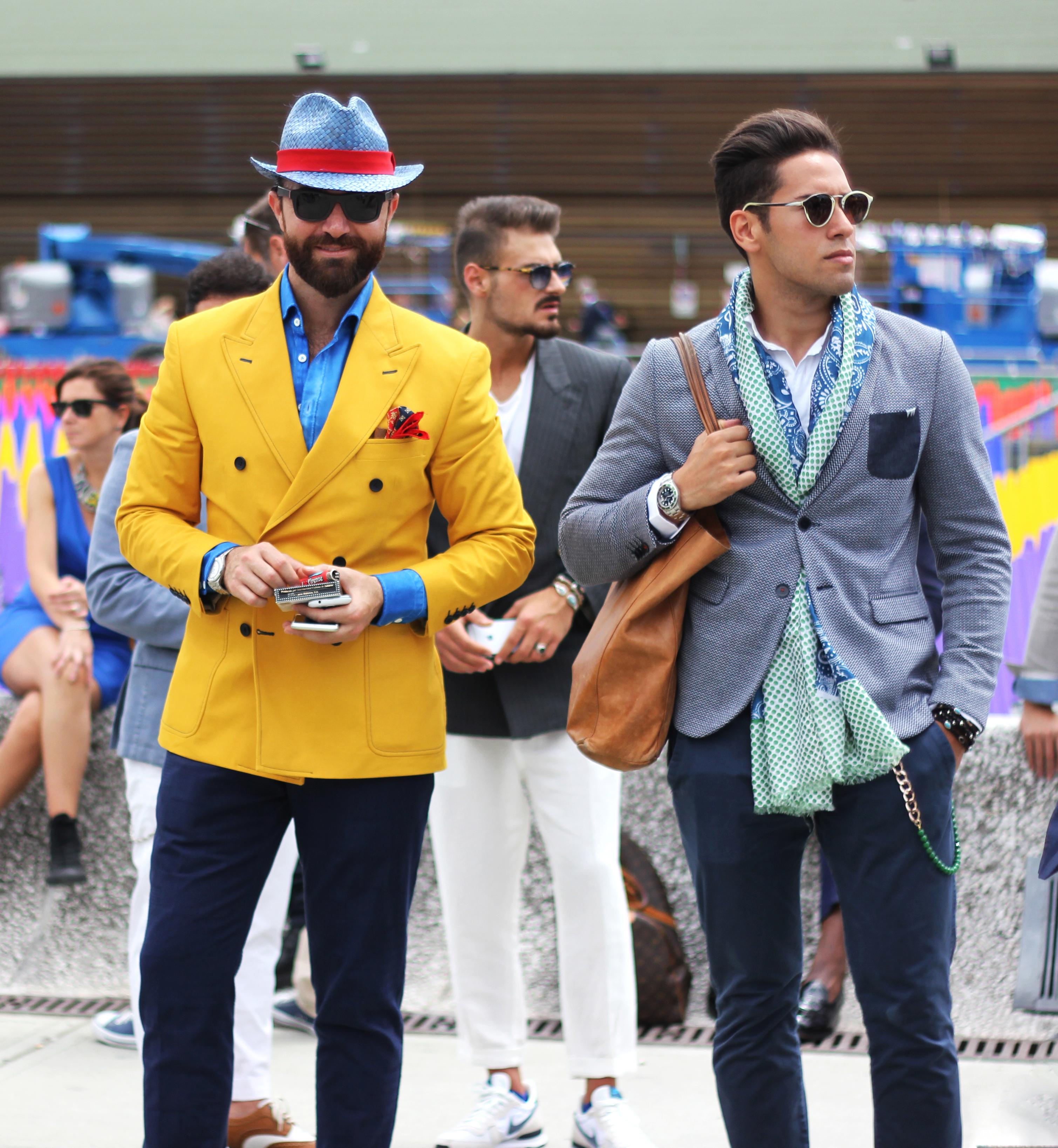 Men_in_colorful_suits_(Unsplash)